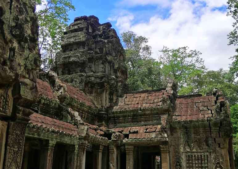 How do you get around Angkor Wat Site? Angkor Wat Entrance Fee and ticket