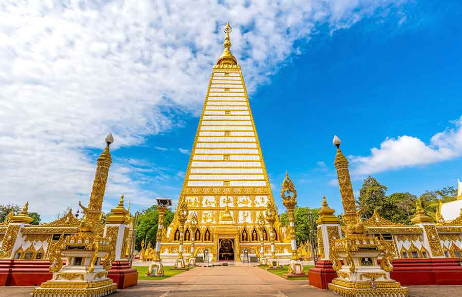Trip to Ubon Ratchathani Experience Ubon Ratchathani and all the attractions